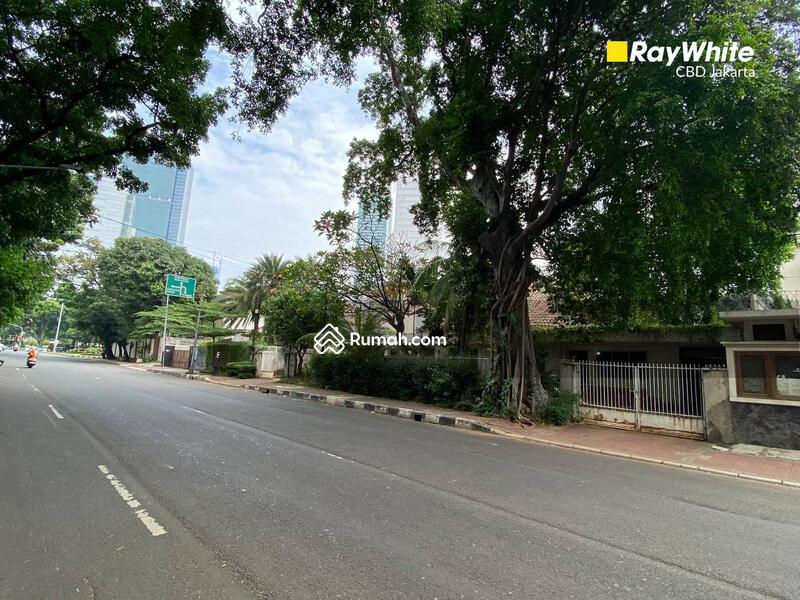 Jl. Yusuf Adiwinata #107357855