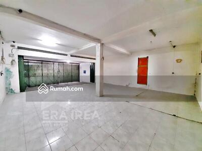 Dijual - Rumah dan ruang usaha dijual di Gedangan, Grogol, Sukoharjo, Solo Baru