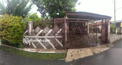 Dijual - rumah cakep kondisi terawat tanah luas akses 2 mobil di rawageni dekat stasiun depok
