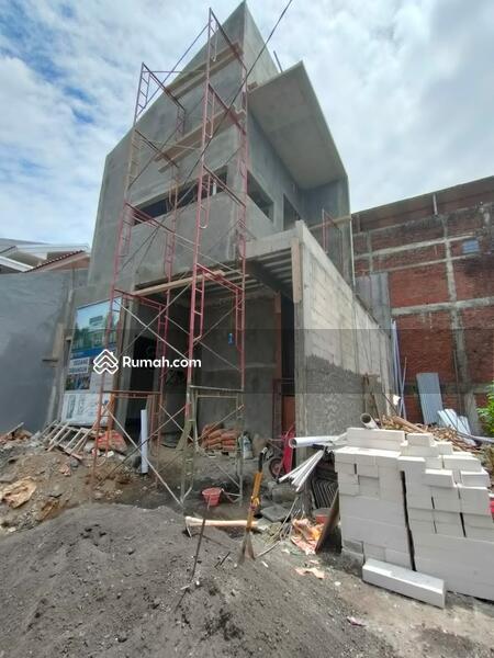 Dijual Cepat Rumah Baru 2 Lantai Strategis Dekat SMA Al-Hikmah dan Masjid Agung SHM IMB #109460401