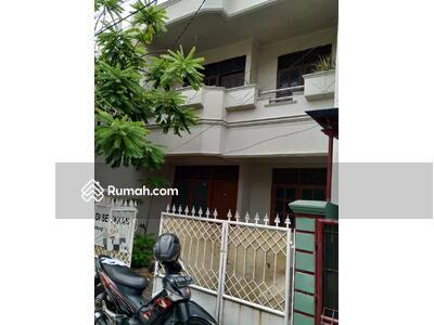 Disewa - Disewakan Rumah 2 Lantai di Pondok Kelapa, Jakarta Timur