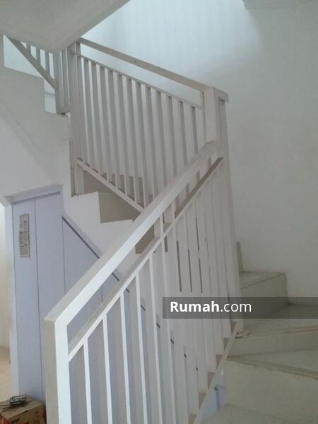 Rumah siap huni dengan luas 6x15 90m2 Type 2KT Perumahan Springvile Bekasi Timur #107519701