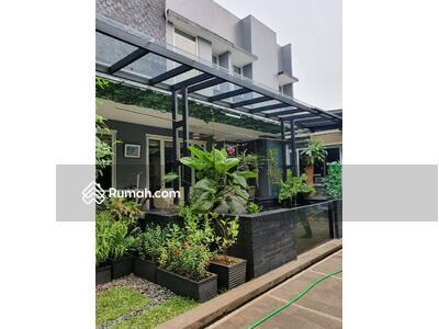 Dijual - Rumah Hook Samping Gate dan Taman di Kebayoran Bintaro Jaya Sektor 7