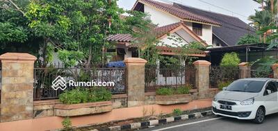Dijual - DIJUAL rumah ada taman depan, dalam dan samping harga masih bisa nego di duren sawit