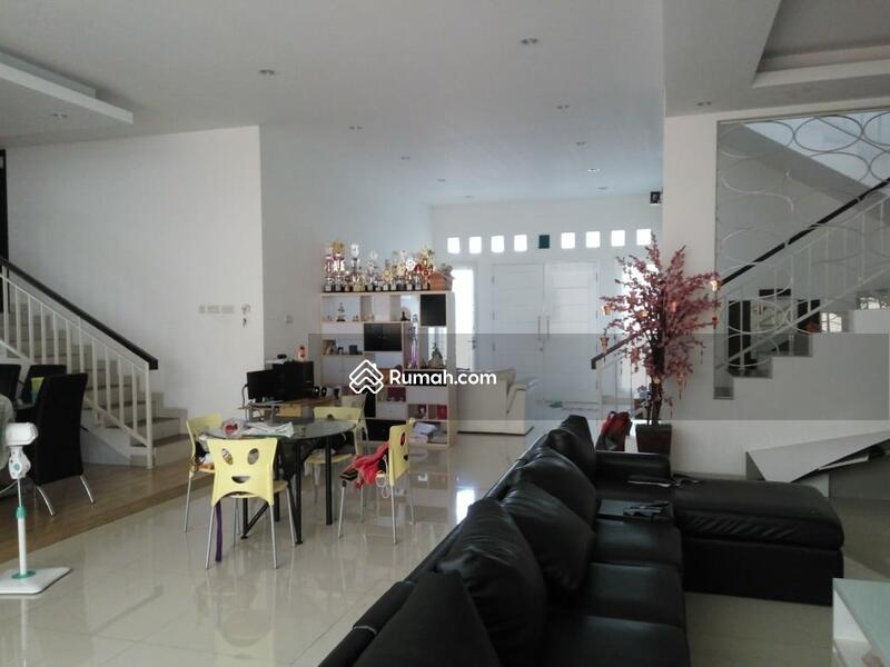 RECOMMENDED Rumah semi furnished 3 Lantai luas 12x24 285m Citra Garden Jakarta Barat #107595313