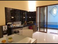 Dijual - Villa Kolam renang pribadi