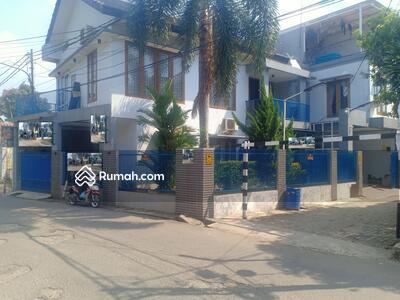 Dijual - DIJUAL MURAH Rumah Hook Full Furnished di Jatiwaringin Pondokgede Bekasi Tidak Banjir : 081389335771