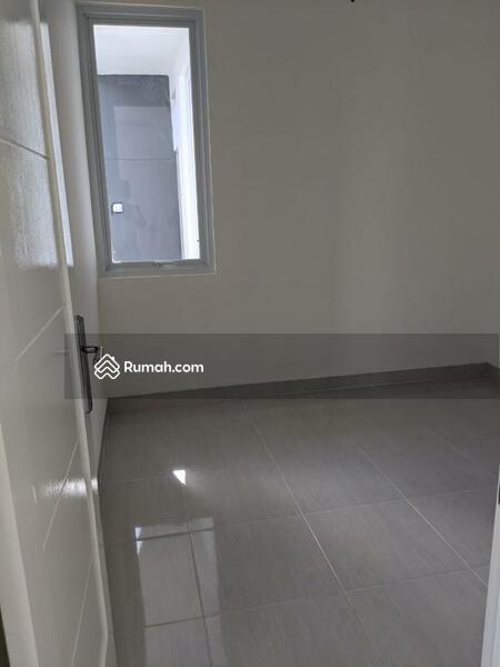 Rumah Pojok Baru Renovasi Dijual Murah Di Graha Raya #107634097
