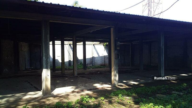 tanah dan bangunan tua didepok #107635979