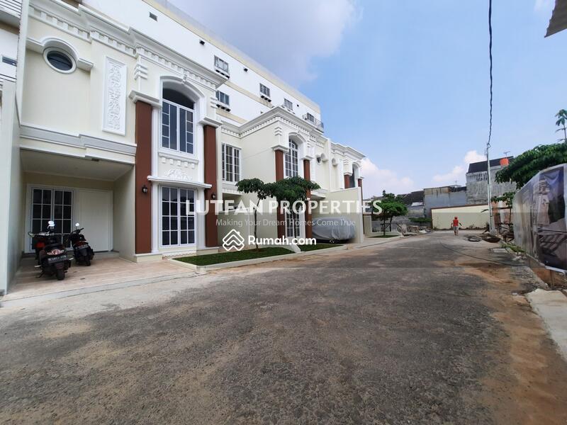 Rumah Mewah Harga Murah Condet Jakarta Timur Depan Jalan Raya #107896257