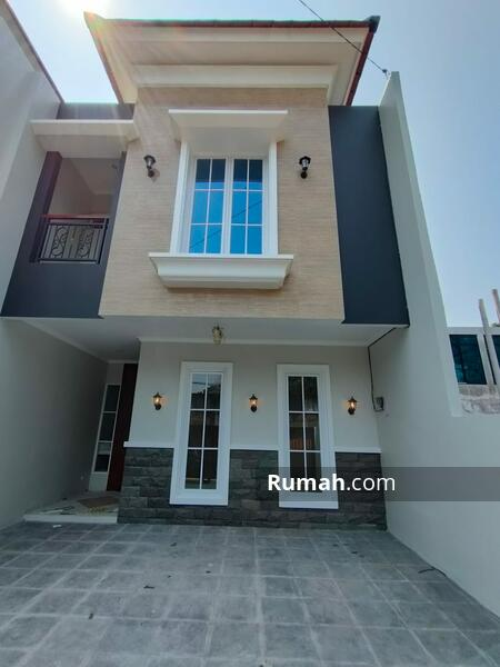 Rumah dekat pintu tol bambu apus dan dekat tamn mini indonesia indah #107987943