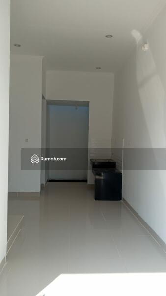 Rumah 2 lantai, 1 km ke tol TB. Simatupang,  stasiun tanjung barat, busway, rs, obyek  wisata, mall #108081227