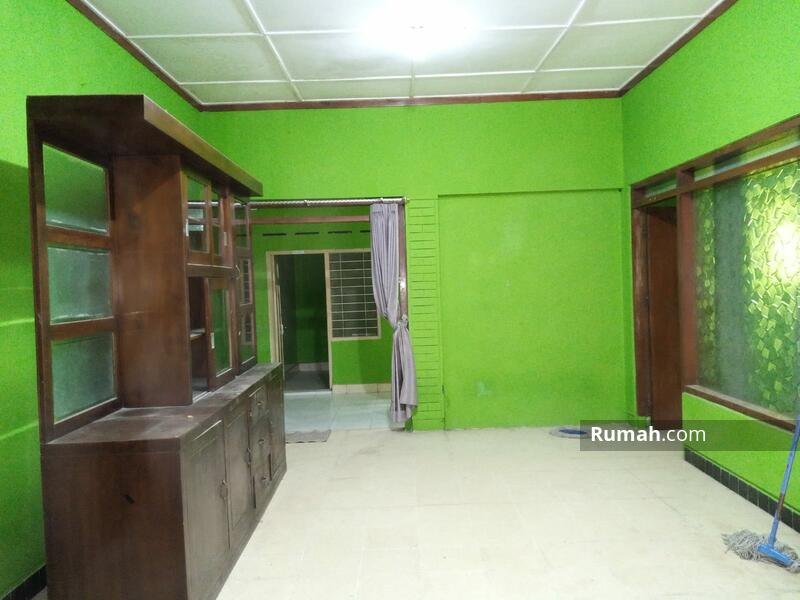 Rumah di kawasan Manahan tengah Kota Solo #108130491