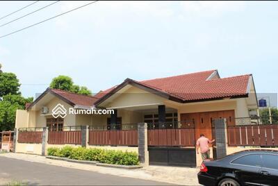 Disewa - disewakan homestay luas full furnish kolam renang pribadi di purwomartani