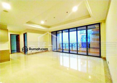Disewa - Disewakan Cepat Apartemen Distric 8 2 BR Luas 158 m2