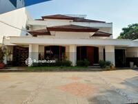Dijual - For sale   Rumah Prapanca  Jakarta Selatan