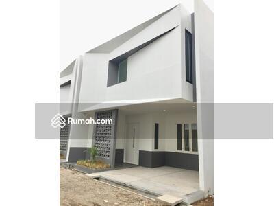 Dijual - Dijual Cepat! Rumah Cantik 2 Lantai Baru Jadi Siap Huni di Caman Bekasi!