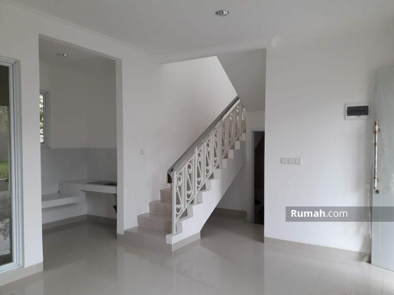 Rumah siap huni 2 Lantai 8x15 120m Type 3+1KT di Cluster Thames JGC Jakarta Garden City #108461683