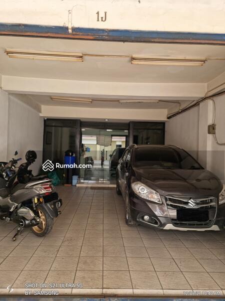 Ruko 4 lantai sudah siap pakai, rapih ex kantor harus cepat terjual di Jakarta Pusat #108465027