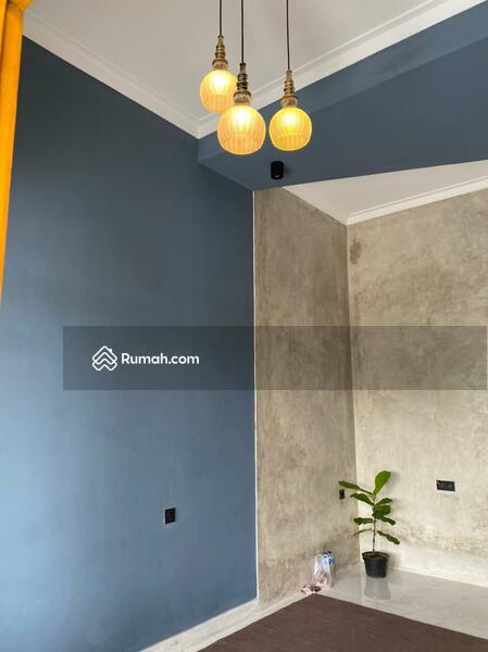 Dijual rumah siap huni,bangunan baru dengan konsep industrial dan vintage. #108478635