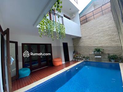Dijual - Jual Cepattt. .. Rumah Bagus Furnished Dengan Pool Di Bintaro Sektor 9