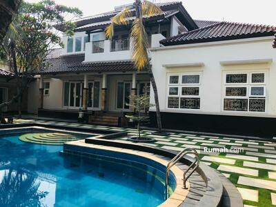 Dijual - Rumah Luxury LT2500 Siap Huni Harga Termurah Carport Bisa 15 Mobil Dan Kolam Renang Pribadi