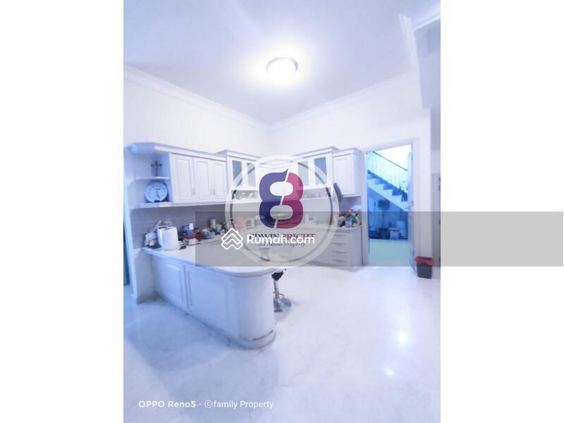 Rumah Dijual di Petukangan Jakarta Selatan Desain Klasik Modern #108609973
