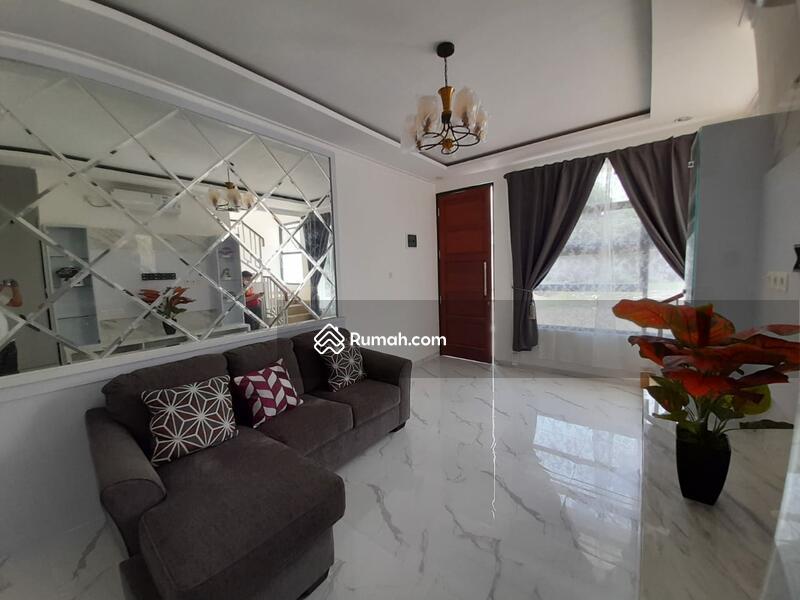 Rumah 2 Lantai strategis dekat Cilandak town dan MRT #109333203