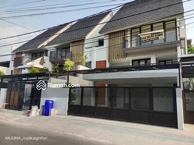 Dijual - *Rumah Baru Siap Huni Design Modern dan Istimewa di Area Ciledug Cipulir*