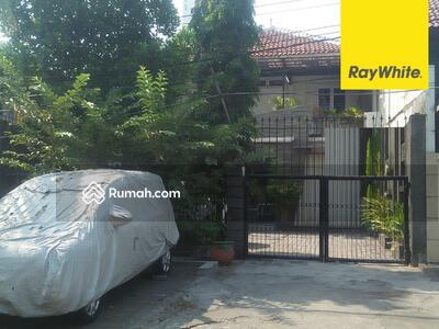Dijual - Rumah Pusat Kota Dijual di Jalan Cempaka, Surabaya