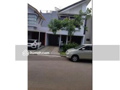 Disewa - Rumah di Cluster Serenade Lake, Paramount Land Serpong, Tangerang