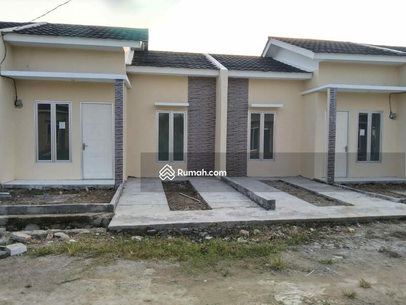 Rumah syariah #108826817