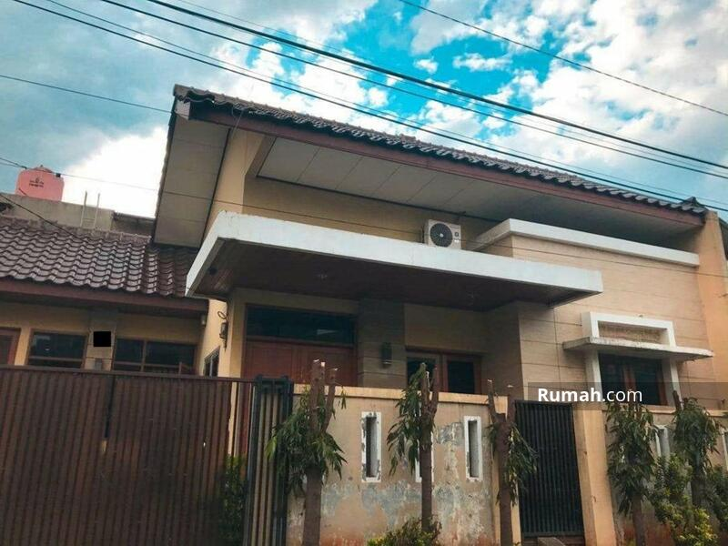 Rumah 2 Lantai Hadap Timur dengan Luas Tanah 152 Meter di Perumnas Klender #108907217