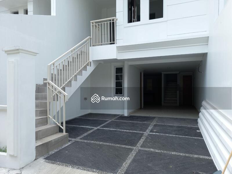 Rumah Minimalist 3 lantai ready di Cluster Mayang Residence, Tanah Kusir #108935353
