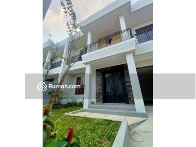 Dijual - Rumah baru siap huni dalam komplek di Cinere