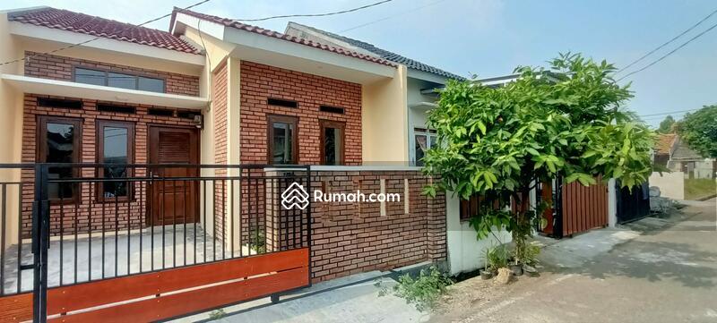 Rumah Desain Retro Classic Siap Huni di Citra Indah #109096769