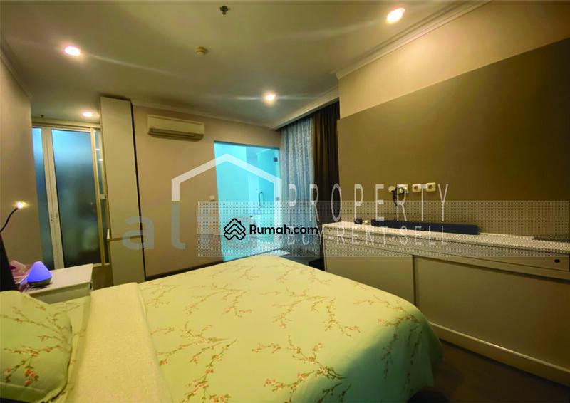 For Rent Apartemen Residence 8, 3 BR 2 Bathroom Luas 180 m2 Full Furnish #109098351