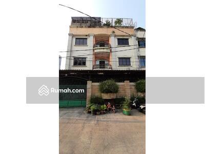 Dijual - Rumah Mewah 4 Lantai Luas 258m Type 5KT di Grogol Petamburan Jakarta Barat