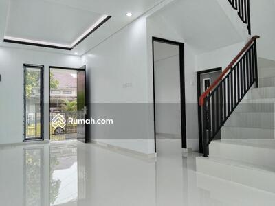 Dijual - Dijual rumah baru 2 lantai di Dukuh Jamrud Mustika Jaya Bekasi