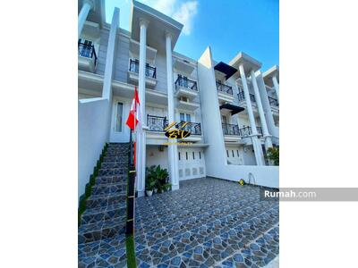 Dijual - Jagakarsa Town House