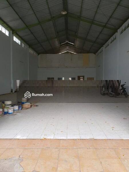 Ruko atau ruang usaha di pusat bisnis yang strategis #109229029