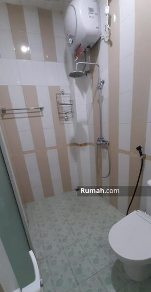 Disewakan rumah semi furnished Semarang atas #109237077