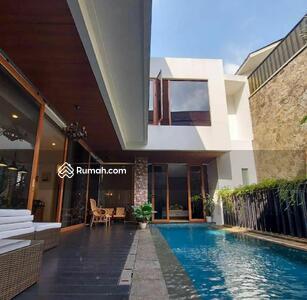 Dijual - Rumah Mewah Modern Tropis
