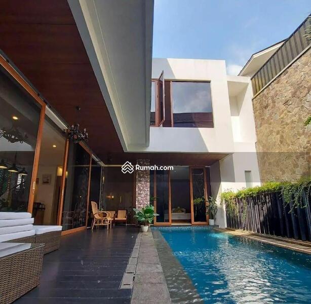 Rumah Mewah Modern Tropis #109261759