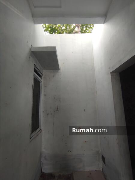 Puri Selatan Apartment #109286445