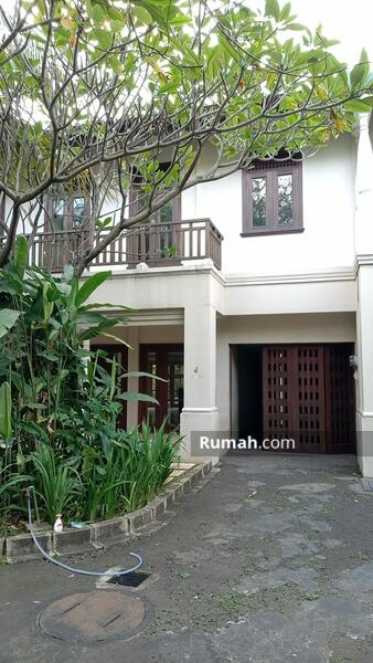 For Rent Minimalist Tropical Townhouse at Kemang #109308781
