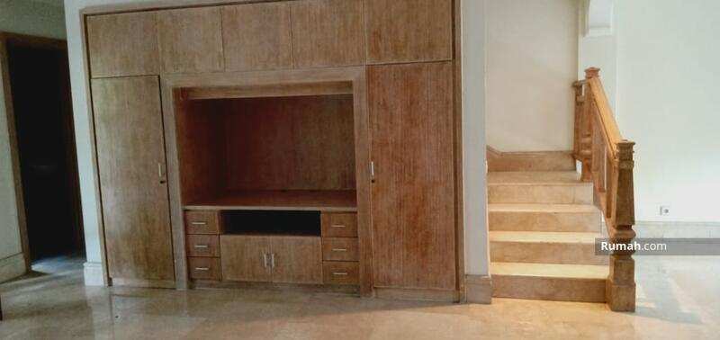 For Rent Minimalist Tropical Townhouse at Kemang #109308783