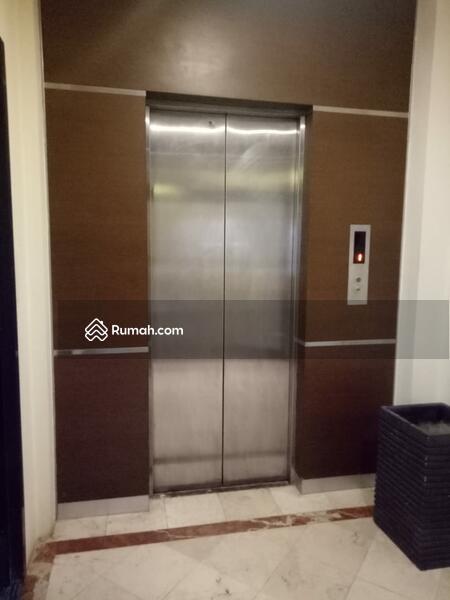 Gedung 5 Lantai Luas Bangunan 1250 m2 di Cikini, Jakarta Pusat #109316793