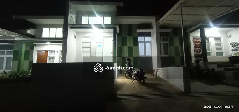 Rumah Baru Komplek Cluster Minimalis dekat Kota Baru Parahyangan Bandung 15  menit akses Tol #110674655