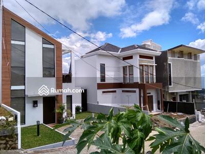 Dijual - Rumah Custom di Lembang